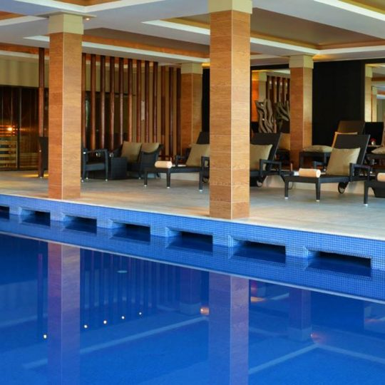 https://agm.oceanx.network/wp-content/uploads/2020/06/5-star-hotel-douro-indoor-pool-540x540.jpg