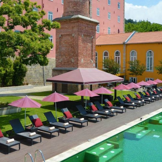 https://agm.oceanx.network/wp-content/uploads/2020/06/5-star-hotel-douro-pool-540x540.jpg