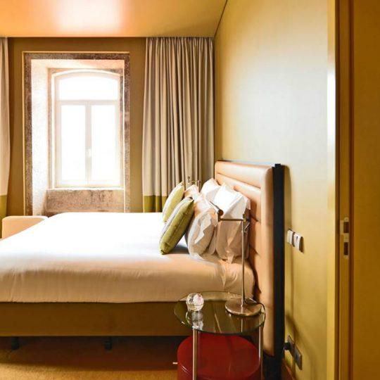 https://agm.oceanx.network/wp-content/uploads/2020/06/5-star-hotel-douro-suite-nicolau-nason-540x540.jpg